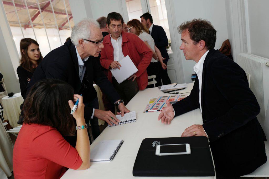 Maxime Toubart a continué de répondre aux journalistes après la conférence de presse.