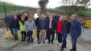 Elus locaux, administrateurs du SGV et responsables de la mission Unesco et du Comité Champagne à Bonneil.