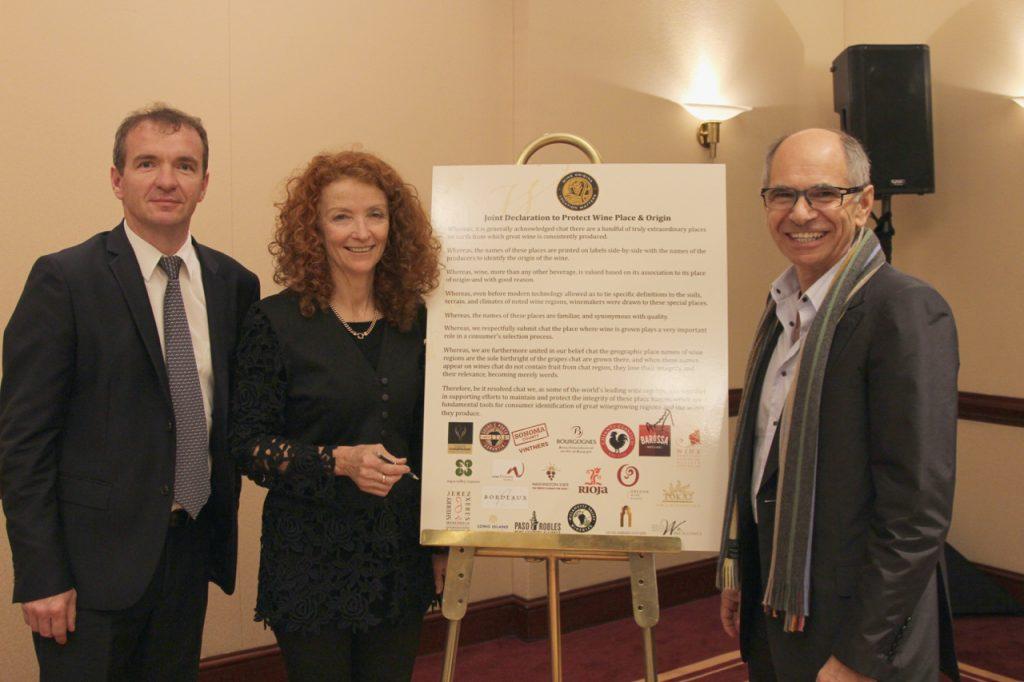 Les présidents du Comité Champagne en compagnie de la représentante de la région viticole australienne de Barossa, Anne Moroney.
