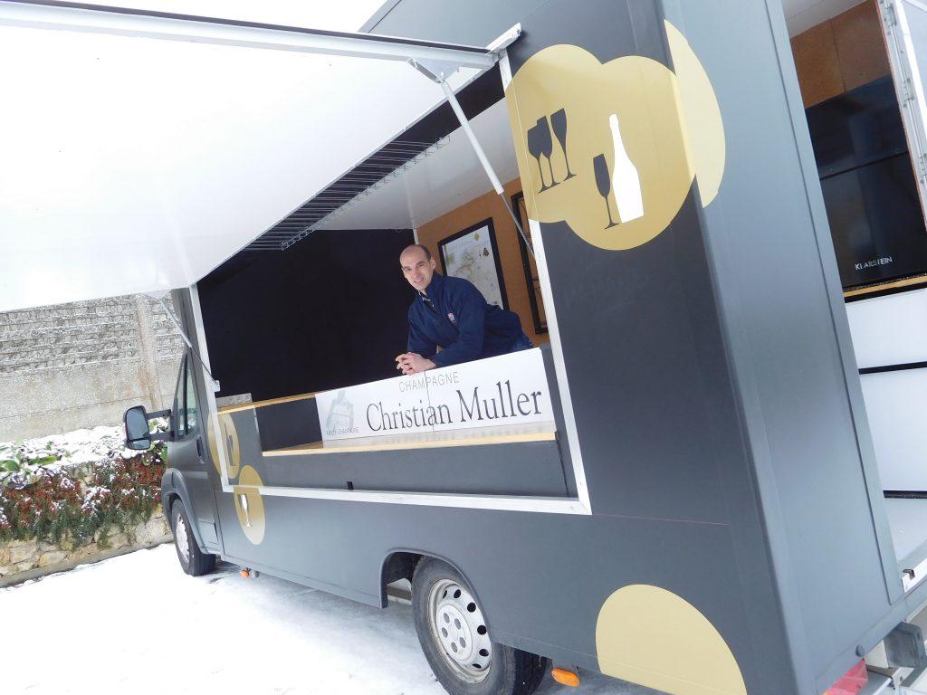 Vendre et promouvoir ses champagnes à bord du Camion à Bulles