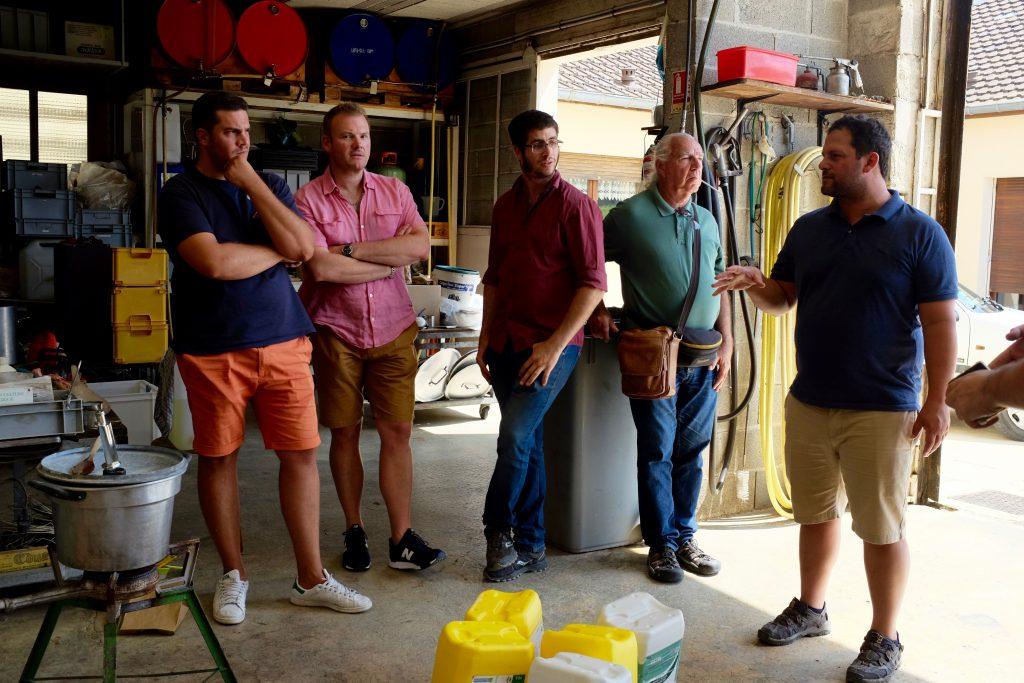 Etudiants et vignerons israéliens en visite en Champagne