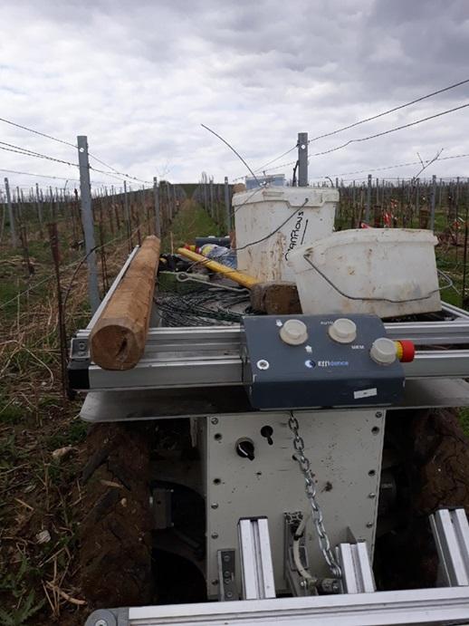Les robots poussent leurs pions dans les vignes