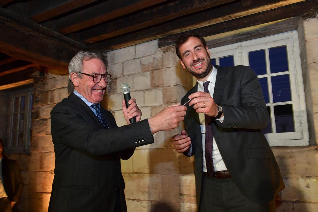Jean-Claude Fourmon transmet les clés de Joseph Perrier à son fils Benjamin