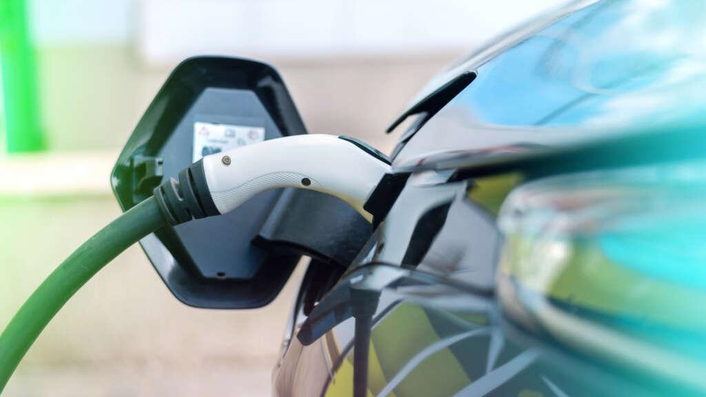 Les aides à l'acquisition de véhicules utilitaires électriques et hybrides